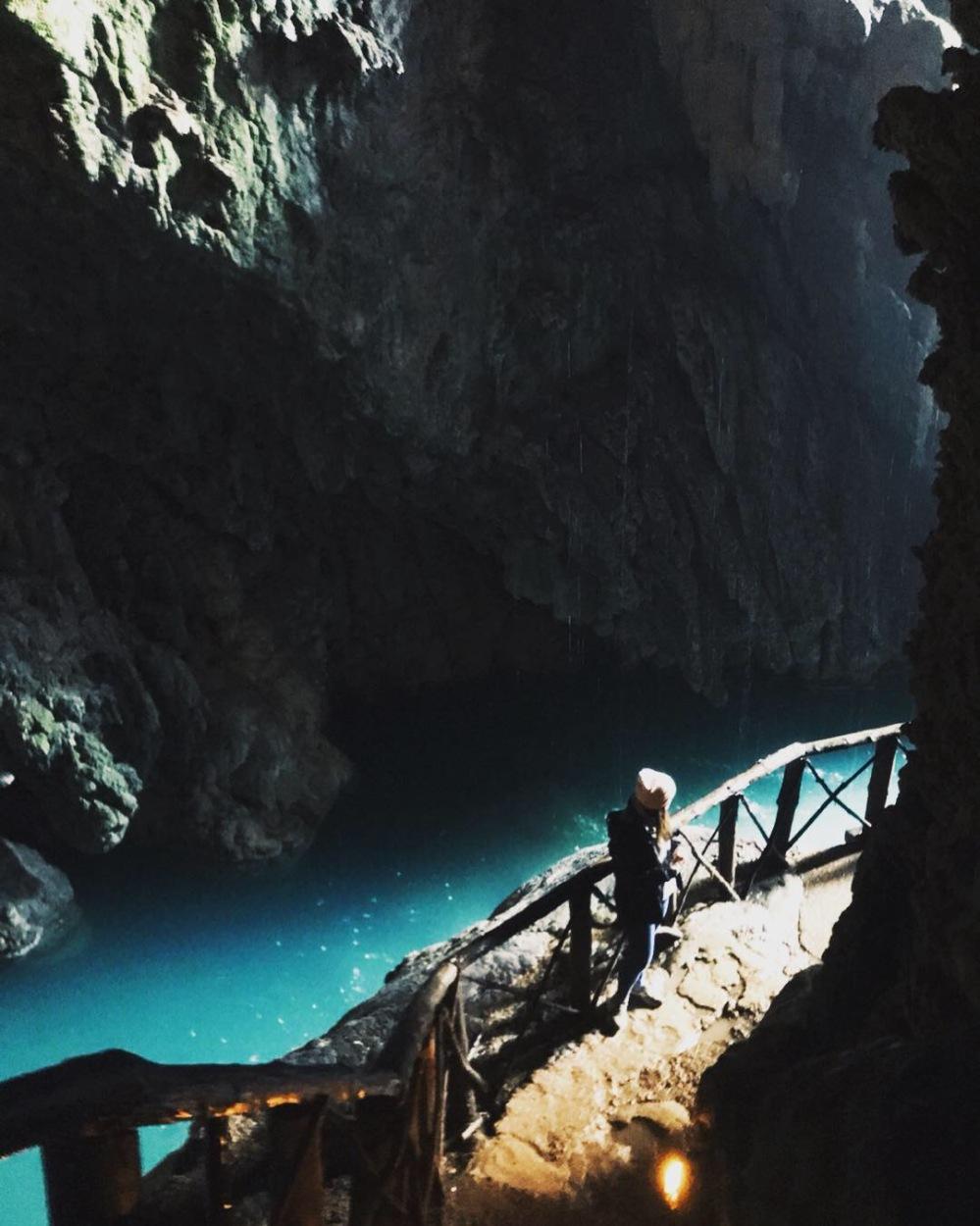el_monasterio_de_piedra_gruta_chica_espectacular_cueva